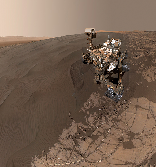 MSL taking a selfie in Mars